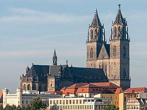 Magdeburg Cathedral - Image: Dom (Magdeburg Altstadt).Ansicht Neue Strombrücke.ajb