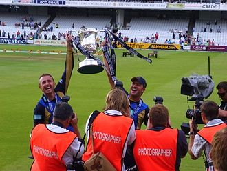 Dominic Cork - Cork (left) and Sean Ervine hold aloft the 2009 Friends Provident Trophy at Lord's