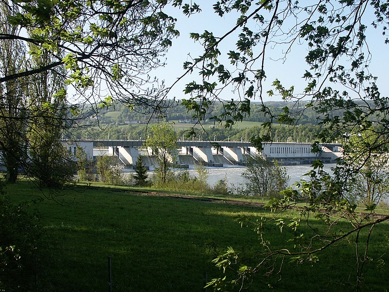 File:Donaukraftwerk Ybbs-Persenbeug - panoramio.jpg