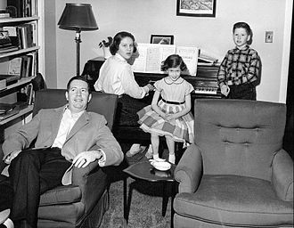 Douglas Edwards - Edwards at home with his three children in 1955. From the left, Lynn, Donna and Bobby.