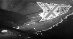 Eastern Island NAS Midway aerial photo Apr 1945.jpg