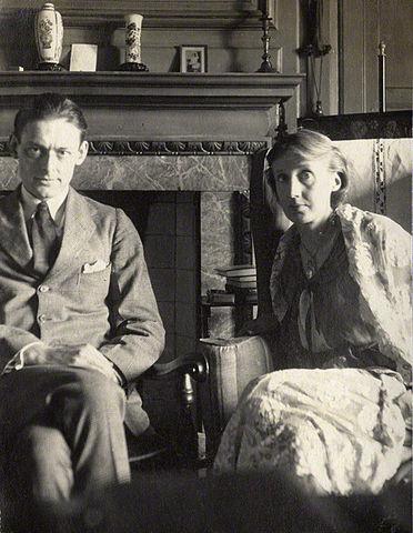 Вирджиния Вулф и Т. С. Эллиот в 1924 году
