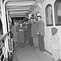 Emigranten (oliem) op weg naar Israel aan dek van het transportschip tijdens het, Bestanddeelnr 255-1111.jpg
