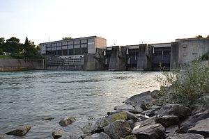 Garsten-St. Ulrich Hydroelectric Power Station - Image: Enns Kraftwerk Garsten unterwasserseitig
