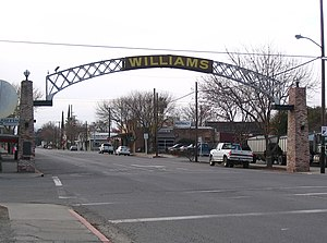 Entrance arch to Williams, California.jpg