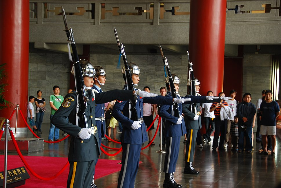 Escorts in the Sun Yat-sen Memorial Hall