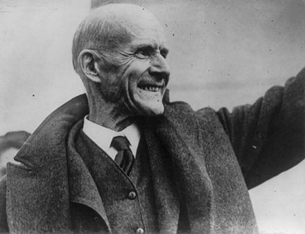 Debs leaving the federal penitentiary in Atlanta on Christmas Day 1921 following commutation of his sentence Eugene Debs released from prison, 1921.jpg