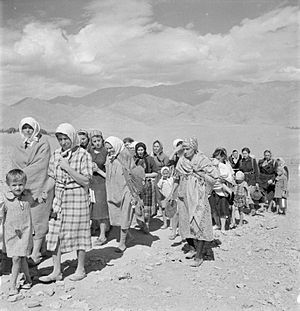 Poles in the Soviet Union - Polish refugees evacuated from the Soviet Union to Persia, 1942