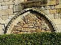 Excideuil église arcature aveugle.JPG