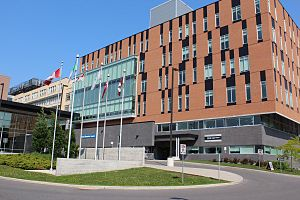 Montfort Hospital - Main entrance of Hôpital Montfort