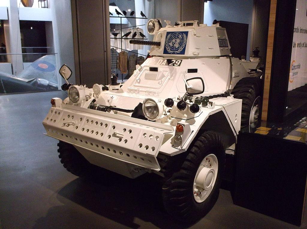 Ferret scout car, véhicule utilisée pour les missions de maintien de paix à Chypre par l'ONU. Photo de Harry Mitchell.