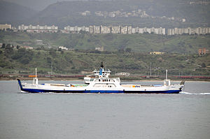 Ferry Zancle crossing the Strait of Messina - 20 Oct. 2010.jpg