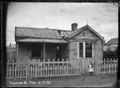 Fire damaged house, Richmond Street, Petone ATLIB 141123.png