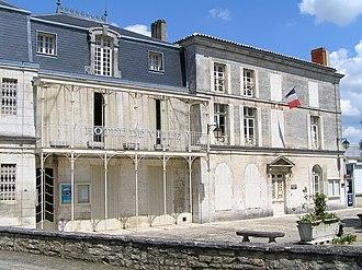 Fléac - Town hall