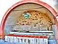 Fontaine-lavoir sous abri.jpg