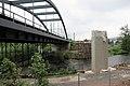 Foto-Denkmal (Reihe, wird fortgsetzt) Verlegung B173 in Flöha, Brückenbauwerk 4, Blick nach Ost mit linkem Stützpfeiler. - panoramio.jpg