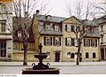 Fotothek df ps 0006085 Brunnen ^ Wohnhäuser ^ Museen ^ kulturhistorische Museen.jpg