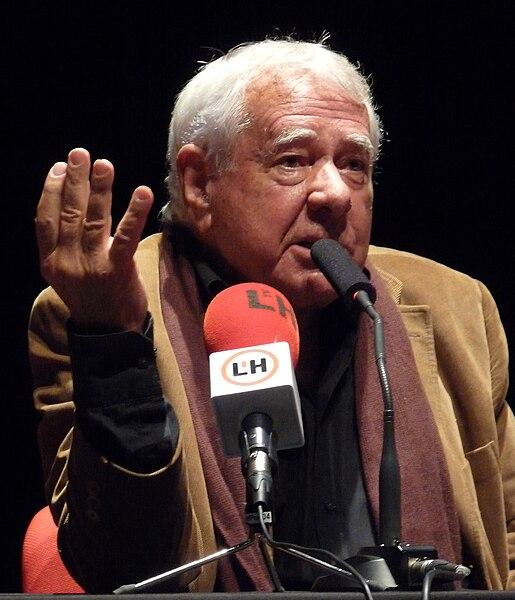 File:Francisco González Ledesma 2009.jpg