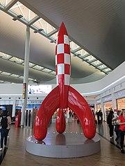 180px-Fus%C3%A9e_de_tintin_%C3%A0_l%27a%C3%A9roport_de_Bruxelles.jpg