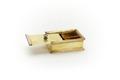 Fyrkantig ask av förgyllt silver med enkla profilerade lister, på locket en knopp - Skoklosters slott - 92298.tif