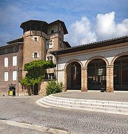 Gaillac - Marché couvert et maison à colombages place du Griffoul.jpg