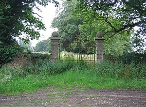 Shanks House - The gates to Shanks House