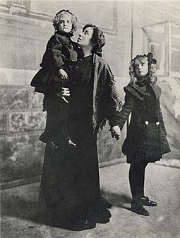 Dorothy and Lillian Gish with actress Helen Ray, their leading lady in Her First False Step (1903) Gish family 1900.jpg