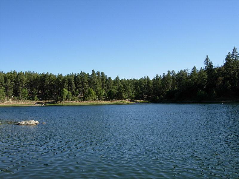[عکس: 800px-Goldwater_Lake.JPG]