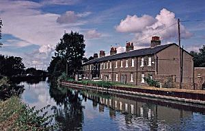 Enfield Lock -  Government Row former Royal Small Arms Factory RSAF workers' cottages (August 1997)