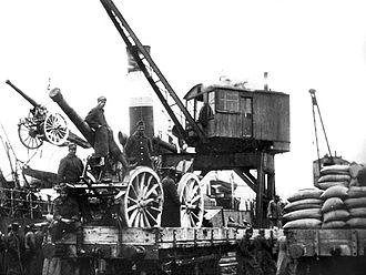 Greek landing at Smyrna - Greek troops loading artillery
