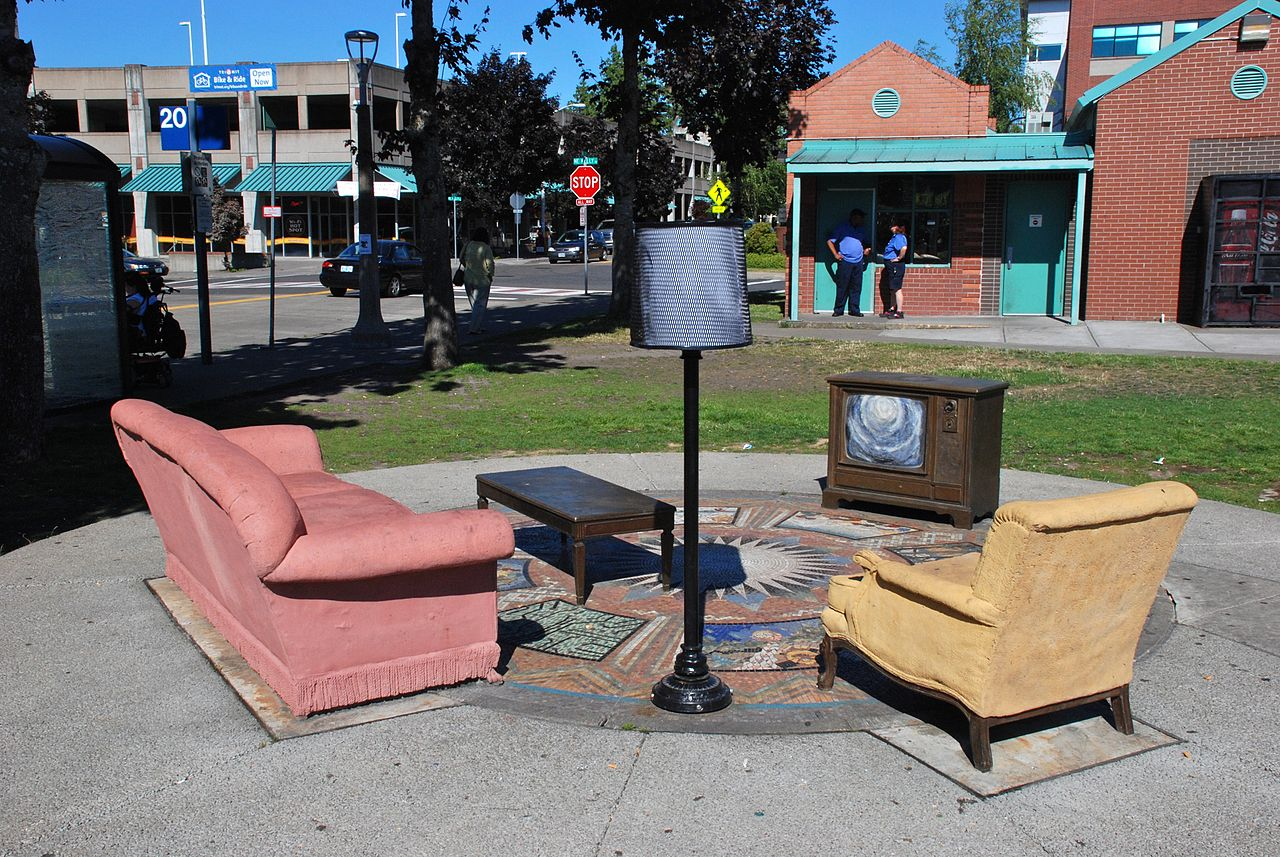 File:Gresham TC Artwork   Cast Concrete And Bronze Furniture Set