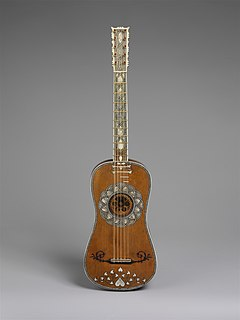 Baroque guitar stringed instrument with five strings