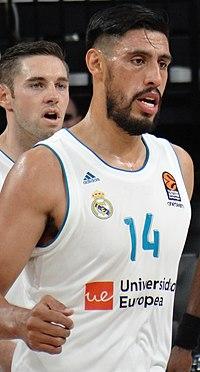 Gustavo Ayón 14 Real Madrid Baloncesto Euroleague 20171012 (1) (cropped).jpg