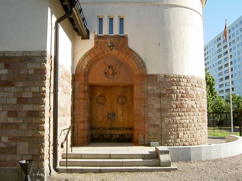 Hagalunds kyrka ext2.jpg