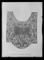 Handhästtäcke, ur en svit om 30 st med svenska riksvapnet och Karl XIs namnchiffer - Livrustkammaren - 43428.tif