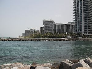 Bal Harbour, Florida - View on Bal Harbour from the north across Baker's Haulover Inlet