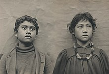 Hawaiian Schoolchildren by Henry Wetherbee Henshaw modified.jpg