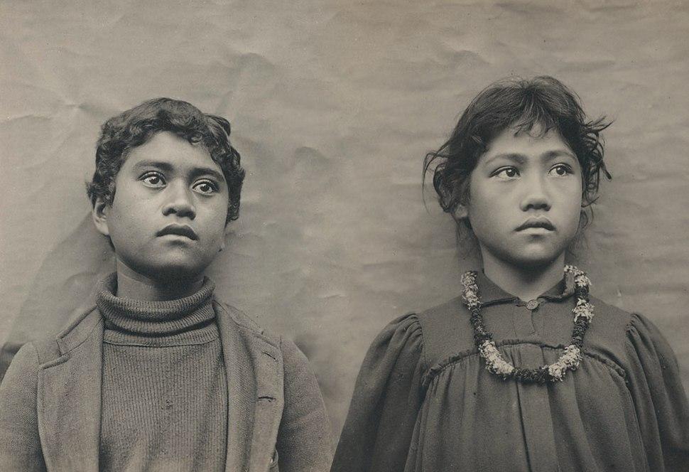 Hawaiian Schoolchildren by Henry Wetherbee Henshaw modified