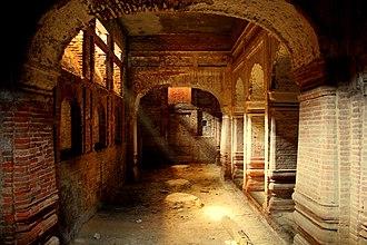 Hazuri Bagh Baradari - Image: Hazuri Bagh basement 3 (WCLA)