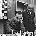 Hoogovenschaaktoernooi te Beverwijk, L. Portisch tijdens zijn partij tegen Gelle, Bestanddeelnr 917-3564.jpg