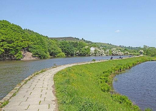 Huddersfield Narrow Canal (41493811055)