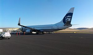 Pullman–Moscow Regional Airport - A charter flight at PUW in 2013 (Alaska Airlines, Boeing 737-890)
