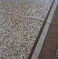 INTERIEUR, SCHEUR IN VLOER (TERRAZZO), DETAIL - 's-Gravenhage - 20285561 - RCE.jpg