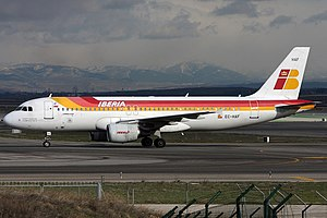 Iberia Airbus A320-214 EC-HAF.jpg