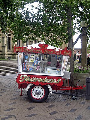 Dry ice - An ice cream cart