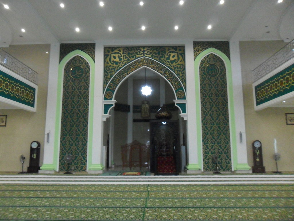 File Interior Of Nurul Falah Great Mosque Paser Jpg