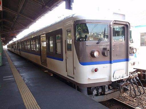 JNR 115-3000 in Hiroshima renewal livery Shimonoseki Station, Yamaguchi