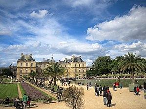 Senate (France) - Image: Jardin du Luxembourg (34560848716)