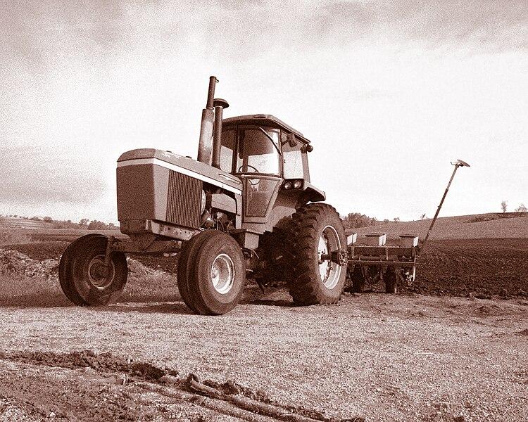 File:John Deere 4630 tractor.jpg