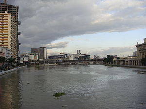 Water supply and sanitation in the Philippines - The Pasig River in Manila, one of the world's most polluted rivers.